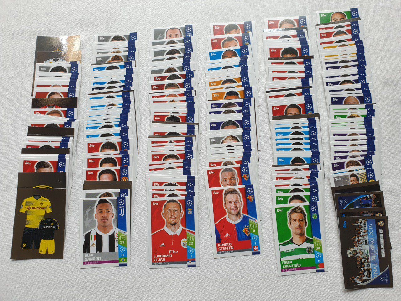 Lot de 280 images Topps champions league 2017/2018